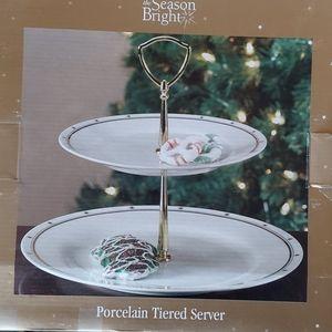 Porcelain Tiered Server